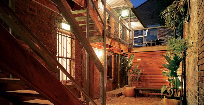 hoxton-hair-courtyard